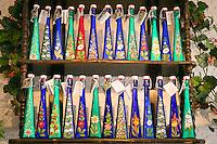 Austria, Upper Austria, Salzkammergut, Hallstatt: bottled souvenirs - Hallstatt Salt | Oesterreich, Oberoesterreich, Salzkammergut, Hallstatt: Souvenirs in Flaschen - Hallstaetter Salz