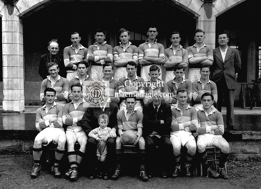 """Dr Eamonn O""""Sullivan pictured with the Kerry team from the 1950's..Picture by Donal MacMonagle.macmonagle archive photo"""