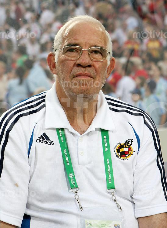 Fussball WM 2006  Gruppenspiel  Vorrunde  Gruppe H Spanien 3-1 Tunesien ESP Trainer Luis Aragones