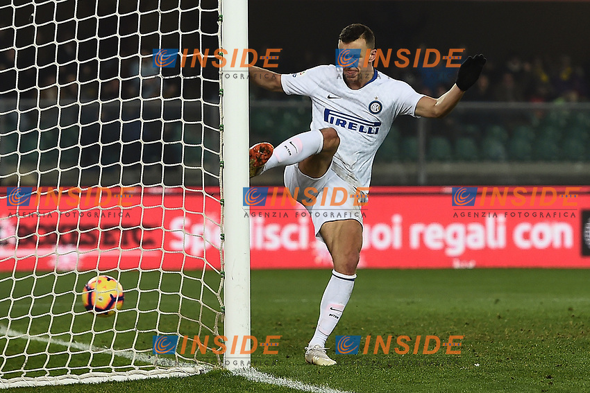Ivan Perisic of Internazionale celebrates after scoring first goal during the Serie A 2018/2019 football match between Chievo Verona and Inter at stadio Bentegodi, Verona, December 22, 2018 <br />  Foto Daniele Buffa / Image Sport / Insidefoto