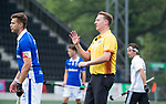 AMSTELVEEN -  Coen van Bunge met Sander de Wijn (Kampong)    tijdens  de  eerste finalewedstrijd van de play-offs om de landtitel in het Wagener Stadion, tussen Amsterdam en Kampong (1-1). Kampong wint de shoot outs.   rechts Johannes Mooij (A'dam) . COPYRIGHT KOEN SUYK