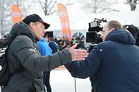 SCHAATSEN: NOORDLAREN: 18-01-2017, IJsvereniging De Hondsrug, de eerste marathon op natuurijs van 2017, Jillert Anema (coach Team Clafis en Team A-Ware), Roelof de Vries (Omrop Fryslân), ©foto Martin de Jong