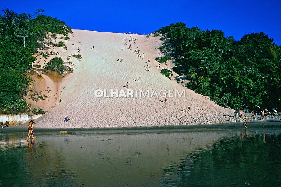 Dunas de Ponta Negra em Natal, Rio Grande do Norte. 1998. Foto de Thais Falcão.