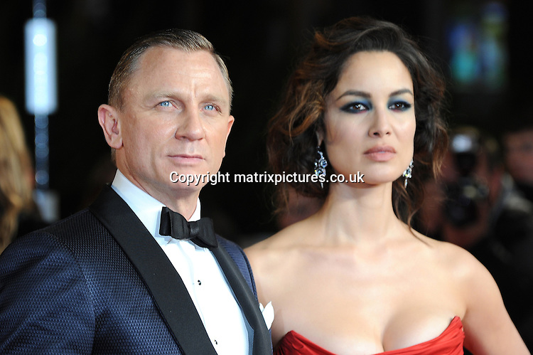 NON EXCLUSIVE PICTURE: PAUL TREADWAY / MATRIXPICTURES.CO.UK.PLEASE CREDIT ALL USES..WORLD RIGHTS..English actor Daniel Craig and French actress Berenice Marlohe attend The Royal World Premiere of Skyfall, Royal Albert Hall, London...OCTOBER 23RD 2012..REF: PTY 124755.