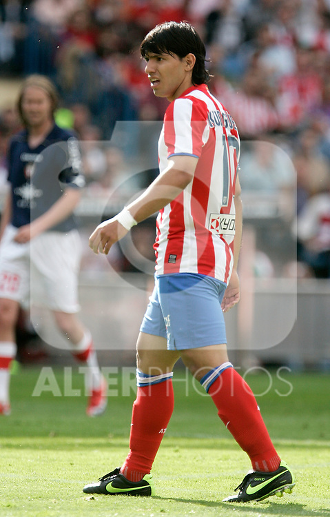 Atletico de Madrid's Kun Aguero reacts during La Liga match, April 05, 2009. (ALTERPHOTOS/Alvaro Hernandez).