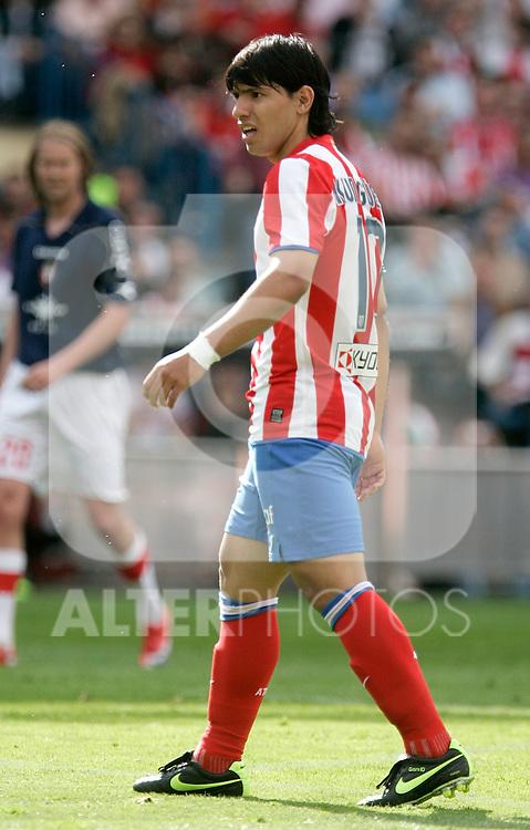 Atletico de Madrid's Kun Aguero reacts during La Liga match, April 05, 2009. (ALTERPHOTOS/Alvaro Hernandez).