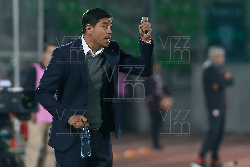 VALPARAISO - CHILE - 13 - 02 - 2018: Nicolas Cordova, técnico de Santiago Wanderers, durante partido de ida entre Santiago Wanderers (CHL) y el Independiente Santa Fe (COL), de la fase 3 llave 1 por la Copa Conmebol Libertadores 2018, jugado en el estadio Bicentenario Elias Figueroa de la ciudad de Valparaiso. / Nicolas Cordova, coach of Santiago Wanderers, during a match of the first leg between Santiago Wanderers (CHL) and Independiente Santa Fe (COL), of the 3rd phase key 1 for the Copa Conmebol Libertadores 2018 at the Bicentenario Elias Figueroa Stadium in Valparaiso City, Photo: VizzorImage / Raul Zamora / Cont / Photosport