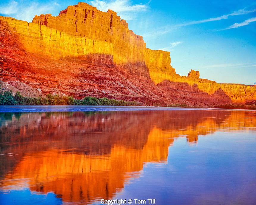 Sunrise on the Colorado River, Colorado River Gooseneck, Utah, Near Dead Horse Point State Park