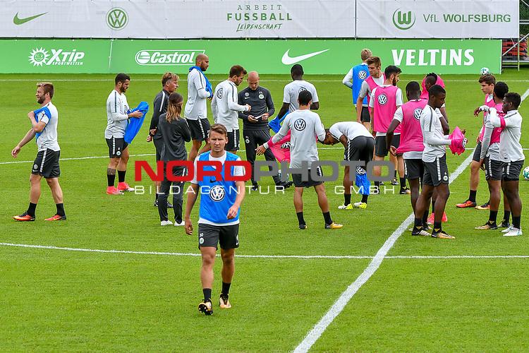 15.07.2017, Sportplatz Ri-Au, Bad Ragaz, SUI, Trainingslager VfL Wolfsburg, im Bild Einheit mit Ball, Paul Seguin (Wolfsburg #30)<br /> <br /> Foto &copy; nordphoto / Hafner