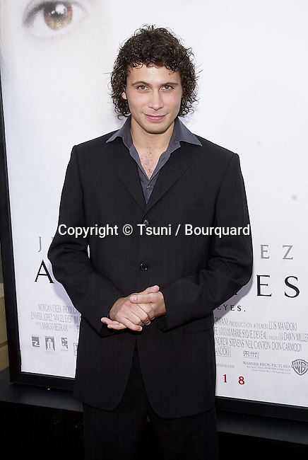 Jeremy Sisto arriving  at the premiere of  Angel Eyes at the Egyptian Theatre in Los Angeles  5/15/2001 © Tsuni          -            SistoJeremy14.jpg
