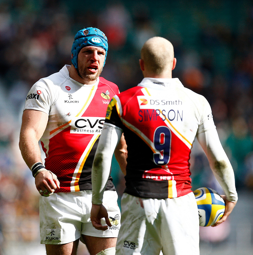 Photo: Richard Lane/Richard Lane Photography. London Wasps v Gloucester. The Stinger at Twickenham Stadium. Aviva Premiership. 19/04/2014. Wasps' James Haskell talks to Joe Simpson.