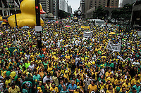 SÃO PAULO,SP, 13.03.2016 - PROTESTO-SÃO PAULO - Milhares de pessoas participaram da manifestação realizada na Avenida Paulista, em São Paulo, contra o Governo Dilma Rousseff, neste domingo (13), pedindo o impeachment da presidente petista e o fim da corrupção. (Foto: Amauri Nehn/Brazil Photo Press)