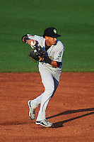 Kane County Cougars second baseman Ildemaro Vargas (2) throws to first during a game against the Cedar Rapids Kernels on August 18, 2015 at Perfect Game Field in Cedar Rapids, Iowa.  Kane County defeated Cedar Rapids 1-0.  (Mike Janes/Four Seam Images)