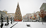 Bridge Street Town Centre Christmas Tree in snow on Christmas Day Dec. 25, 2010.  Bob Gathany Photographer