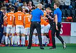 AMSTELVEEN -  scheidsrechters Pieter Hembrecht en Daniel Veerman. tijdens de play-offs hoofdklasse  heren , Amsterdam-Bloemendaal (0-2).    COPYRIGHT KOEN SUYK