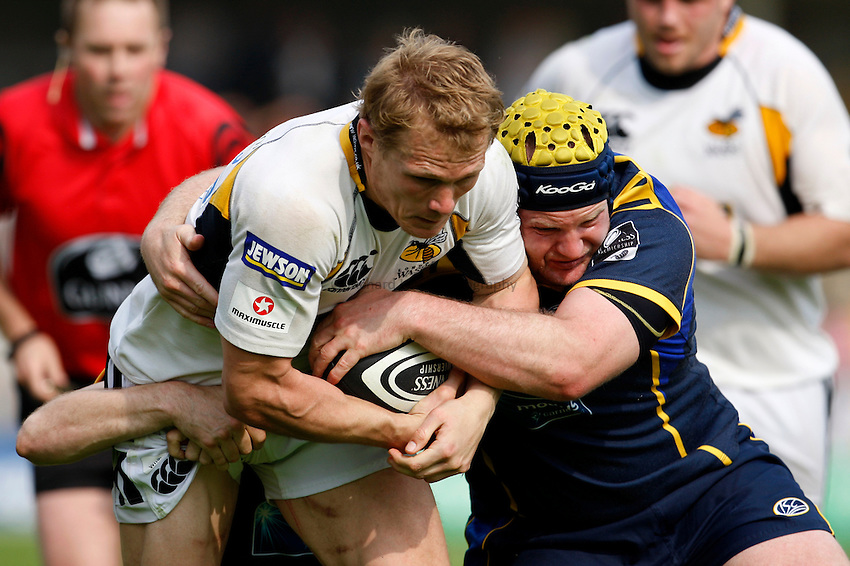 Photo: Richard Lane/Richard Lane Photography..Leeds Carnegie v London Wasps. Guinness Premiership. 10/05/2008. Wasps' Josh Lewsey attacks.
