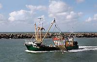 Vissersboot bij de haven van Scheveningen