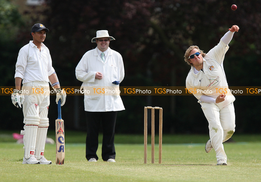 Paul Humphries of Hornchurch Ath in bowling action - Hornchurch Athletic CC vs Asian CC - Lords International Cricket League - 13/06/09 - MANDATORY CREDIT: Gavin Ellis/TGSPHOTO - Self billing applies where appropriate - 0845 094 6026 - contact@tgsphoto.co.uk - NO UNPAID USE.