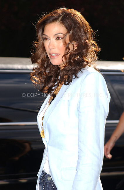 WWW.ACEPIXS.COM . . . . . ....NEW YORK, MAY 17, 2005....Teri Hatcher at the ABC Upfront Announcement's Red Carpet Arrivals held at Avery Fisher Hall in Lincoln Center Plaza... ..Please byline: KRISTIN CALLAHAN - ACE PICTURES.. . . . . . ..Ace Pictures, Inc:  ..Craig Ashby (212) 243-8787..e-mail: picturedesk@acepixs.com..web: http://www.acepixs.com