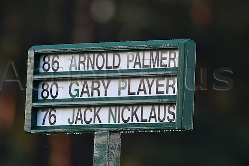 07.04.2016. Augusta, GA, USA. Gary Player and Jack Nicklaus kicked off the 80th Masters with a ceremonial tee shot Thursday morning April 7, 2016 in Augusta, Ga. Arnold Palmer also took part in the ceremonial start but did not hit a tee shot