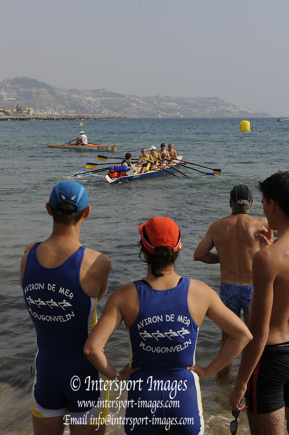 San Remo, ITALY,  Sat.  Crews boating for the B finals. at the FISA Coastal World Championships. Saturday 18/10/2008.[Photo, Peter Spurrier/Intersport-images] Coastal Rowing Course: San Remo Beach, San Remo, ITALY
