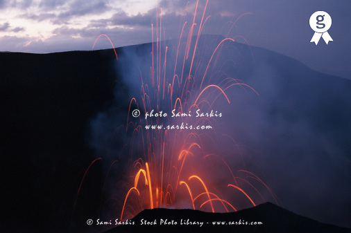 Tanna Vanuatu, Yasur Volcano erupting, dusk (Licence this image exclusively with Getty: http://www.gettyimages.com/detail/200335956-001 )