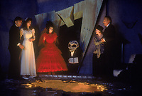 Beetlejuice (1988)<br /> Alec Baldwin, Geena Davis, Winona Ryder, Catherine O'Hara, Jeffrey Jones <br /> *Filmstill - Editorial Use Only*<br /> CAP/MFS<br /> Image supplied by Capital Pictures