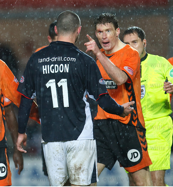 Darren Dods raging at Michael Higdon after a flying elbow cut his eye.
