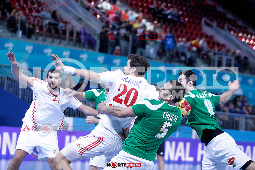 Algeria's Mohamed Aski Mokrani (2l), Salah Eddine Cheikh (2r) and Hichem Kaabache (r) and Croatia's Zeljko Musa (l) and Damir Bicanic (c) during 23rd Men's Handball World Championship preliminary round match.January 14,2013. (ALTERPHOTOS/Acero) 7NortePhoto