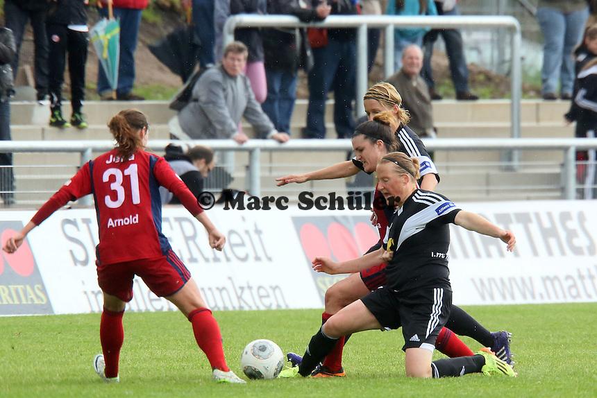 Melanie Behringer (FFC) gegen JUlia Arnold (Jena) - 1. FFC Frankfurt vs. USV FF Jena