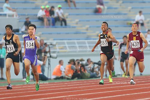 (L to R) Kenta Oshima,  Abdul Hakim Sani Brown, JULY 30, 2015 - Athletics : 2015 All-Japan Inter High School Championships, Men's 4100mR Semi-final at Kimiidera Athletic Stadium, Wakayama, Japan. (Photo by YUTAKA/AFLO SPORT)