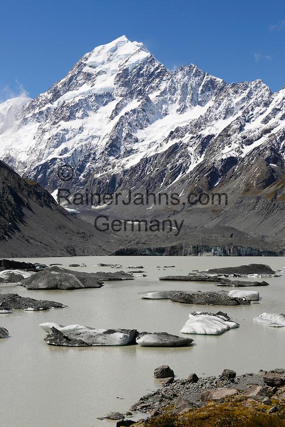 New Zealand, South Island, Canterbury region, Mount Cook National Park: Hooker Lake and Glacier with icebergs and Mount Cook | Neuseeland, Suedinsel, Region Canterbury, Mount Cook National Park: Hooker Lake und Gletscher mit Eisbergen und dem Mount Cook