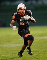 Verona's Nick Heinzen runs for yardage, during Wisconsin Big Eight Conference high school football between Middleton and Verona on Friday, 8/24/18 at Verona High School