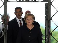 Besuch des Präsidenten der vereinigten Staaten von Amerika (USA) Barack Obama vom 4. bis 5. Juni 2009 in der Bundesrepublik Deutschland - Visite in der Mahn- und Gedenkstätte Buchenwald auf dem Ettersberg bei Weimar (Freitag der 5.6.2009) - im Bild:  der Präsident Barack Obama gibt nach dem Besuch des Konzentrationslagers Buchenwald seine Statements an die Presse. Porträt Foto: Norman Rembarz..