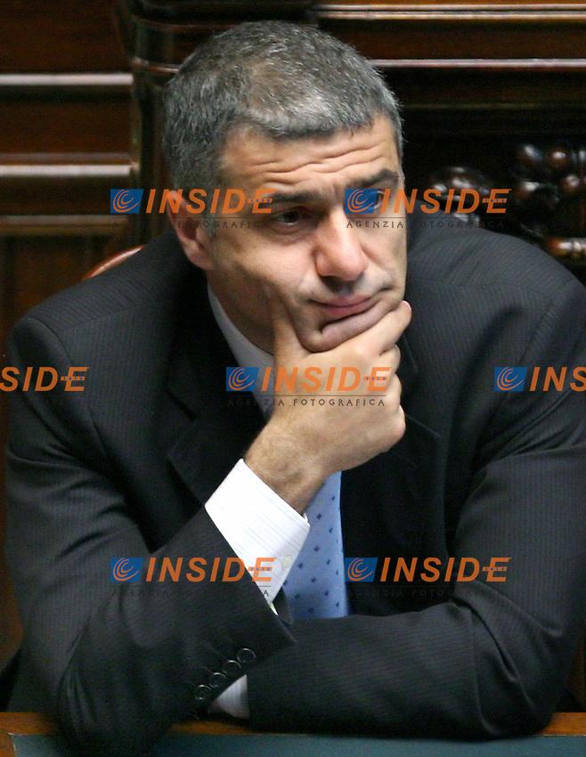 Roma, 23-05- 2006 Camera:Voto per la fiducia al governo Prodi<br /> Nella foto il ministro dell'Ambiente Alfonso Pecoraro Scanio<br /> Photo Serena Cremaschi Insidefoto