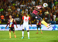 IBAGUÉ - COLOMBIA, 17-11-2018: Deportes Tolima e Independiente Santa Fe en partido por los cuartos de final, vuelta, de la Liga Águila II 2018 jugado en el estadio Manuel Murillo Toro de la ciudad de Ibagué. / Deportes Tolima and Independiente Santa Fe in Quarter Final second leg match as a part of  Aguila League II 2018 between Deportes Tolima and Independiente Santa Fe played at Manuel Murillo Toro stadium in Ibague city. Photo: VizzorImage / Juan Carlos Escobar / Cont