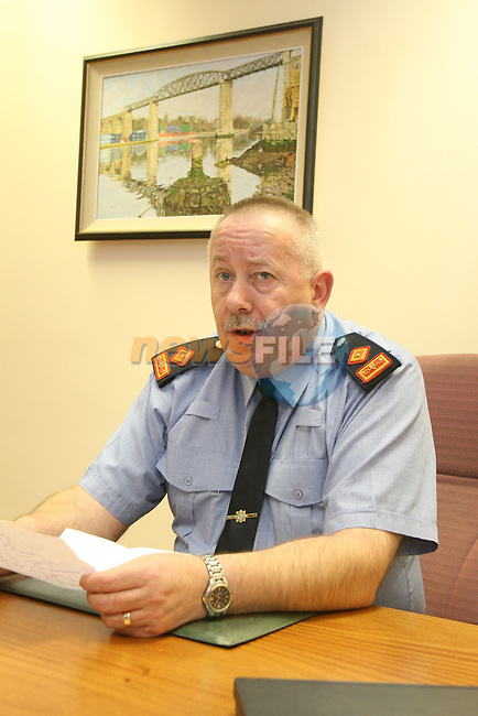 Garda Supt. Gerry Smith briefing the waiting Media about the now murder of Darren McKeown...Photo: Newsfile/Fran Caffrey.