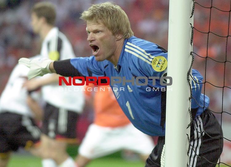 Europameisterschaft 2004 Portugal<br /> <br /> Deutschland - Niederlande<br /> <br /> Oliver Kahn (Deutschland)<br /> <br /> Foto &copy; nordphoto