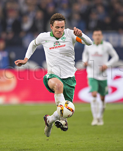 24.01.2016. Gelsenkirchen, Germany. German Bundesliga soccer match between FC Schalke 04 and Werder Bremen in the Veltins Arena.  Clemens Fritz (Werder)