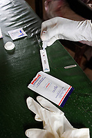 "Afrika Suedsudan Rumbek , Diakonie Gesundheitsstation , Labor Blutabnahme und Malariatest   - Gesundheit | .Africa South Sudan Rumbek , health center , Malaria test and blood test    .| [ copyright (c) Joerg Boethling / agenda , Veroeffentlichung nur gegen Honorar und Belegexemplar an / publication only with royalties and copy to:  agenda PG   Rothestr. 66   Germany D-22765 Hamburg   ph. ++49 40 391 907 14   e-mail: boethling@agenda-fototext.de   www.agenda-fototext.de   Bank: Hamburger Sparkasse  BLZ 200 505 50  Kto. 1281 120 178   IBAN: DE96 2005 0550 1281 1201 78   BIC: ""HASPDEHH"" ,  WEITERE MOTIVE ZU DIESEM THEMA SIND VORHANDEN!! MORE PICTURES ON THIS SUBJECT AVAILABLE!! ] [#0,26,121#]"