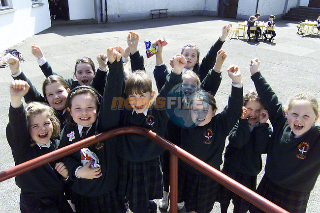 Children from 1st class Scoil Mhuire na Trocaire, Ardee at the party to raise funds to buy sheep for farmers hit by foot and mouth disease..Picture: Paul Mohan/Newsfile