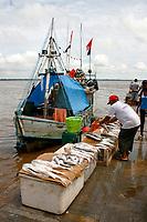 Maior feira a céu aberto da América do Sul, e um dos maiores entreposto pesqueiro do pais, a feira comercializa do pescado a especiarias culinárias, frutos e mandingas<br /> <br /> Av.Boulevard Castilho França - Comércio - <br /> Belém, Pará, Brasil.<br /> <br /> © Mauro Ângelo