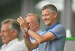27.06.2020, Fussball: nph00001 1. Bundesliga 2019/2020, 34. Spieltag, VfL Wolfsburg - FC Bayern Muenchen, in der Volkswagen-Arena Wolfsburg. Siegerehrung nach dem Spiel: Der FC Bayern MŸnchen feiert den Gewinn der 30. Deutschen Meisterschaft. PrŠsident Herbert Hainer (FC Bayern)<br /><br />Foto: Bernd Feil/M.i.S./ /Pool/nordphoto<br /><br />Nur fŸr journalistische Zwecke! Only for editorial use! <br /><br />GemŠ§ den Vorgaben der DFL Deutsche Fussball: nph00001 Liga ist es untersagt, in dem Stadion und/oder vom Spiel angefertigte Fotoaufnahmen in Form von Sequenzbildern und/oder videoŠhnlichen Fotostrecken zu verwerten bzw. verwerten zu lassen. DFL regulations prohibit any use of photographs as image sequences and/or quasi-video.    <br /><br />National and international NewsAgencies OUT.