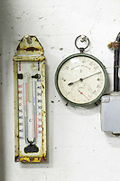 hygrometer thermometer domaine gerard neumeyer alsace france