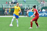 ATENÇÃO EDITOR FOTO EMBARGADA PARA VEÍCULOS INTERNACIONAIS - SAO PAULO, SP, 09 DE DEZEMBRO DE 2012 - TORNEIO INTERNACIONAL CIDADE DE SÃO PAULO - BRASIL x PORTUGAL: Erica (e) durante partida Brasil x Portugal, válido pelo Torneio Internacional Cidade de São Paulo de Futebol Feminino, realizado no estádio do Pacaembú em São PauloFOTO: LEVI BIANCO - BRAZIL PHOTO PRESS
