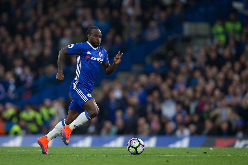 Chelsea's Victor Moses in action<br /> <br /> Photographer Craig Mercer/CameraSport<br /> <br /> The Premier League - Chelsea v Manchester United - Sunday 23rd October 2016 - Stamford Bridge - London<br /> <br /> World Copyright &copy; 2016 CameraSport. All rights reserved. 43 Linden Ave. Countesthorpe. Leicester. England. LE8 5PG - Tel: +44 (0) 116 277 4147 - admin@camerasport.com - www.camerasport.com