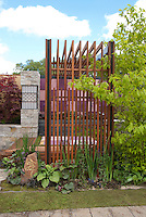 Japanese sytle garden with privacy screen