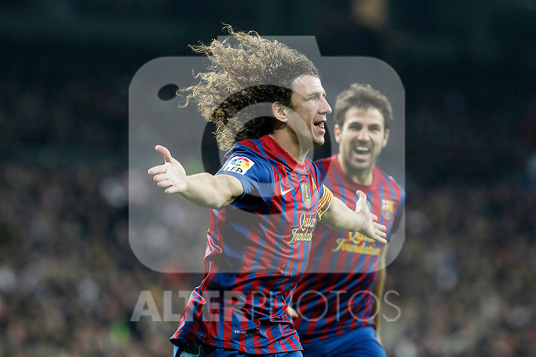 FC Barcelona's Carles Puyol (l) and Cesc Fabregas celebrate goal during Spanish King's Cup match.January 18,2011. (ALTERPHOTOS/Acero)