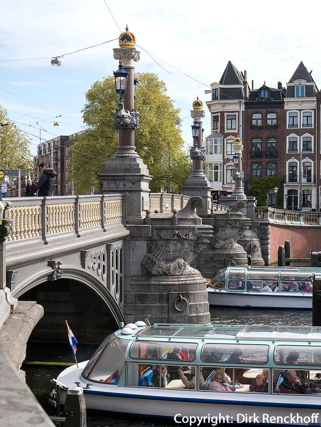 Blauwe Brug &uuml;ber Amstel, Amsterdam, Provinz Nordholland, Niederlande<br /> Blauwe Brug crossing the  Amstel, Amsterdam, Province North Holland, Netherlands