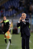 Calcio, Serie A: Lazio vs Napoli. Roma, stadio Olimpico, 3 febbraio 2016.<br /> Lazio coach Stefano Pioli gives indications to his players during the Italian Serie A football match between Lazio and Napoli at Rome's Olympic stadium, 3 February 2016.<br /> UPDATE IMAGES PRESS/Isabella Bonotto